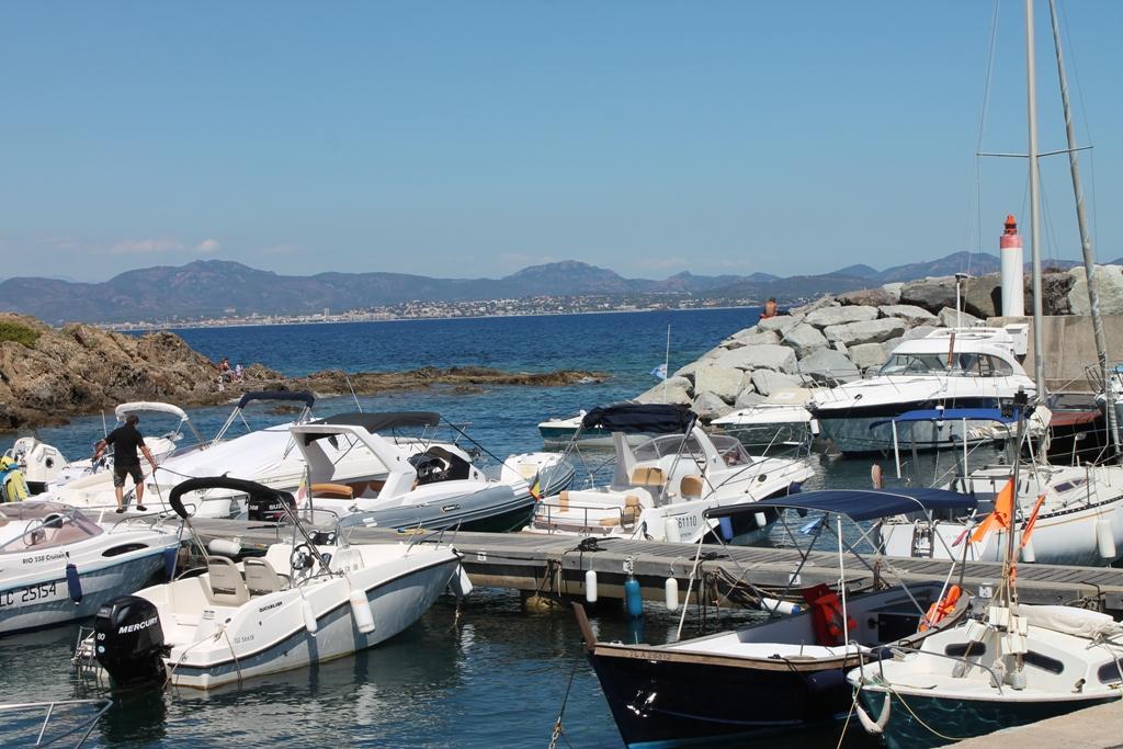 La baie de St Raphael, de Port Ferreol