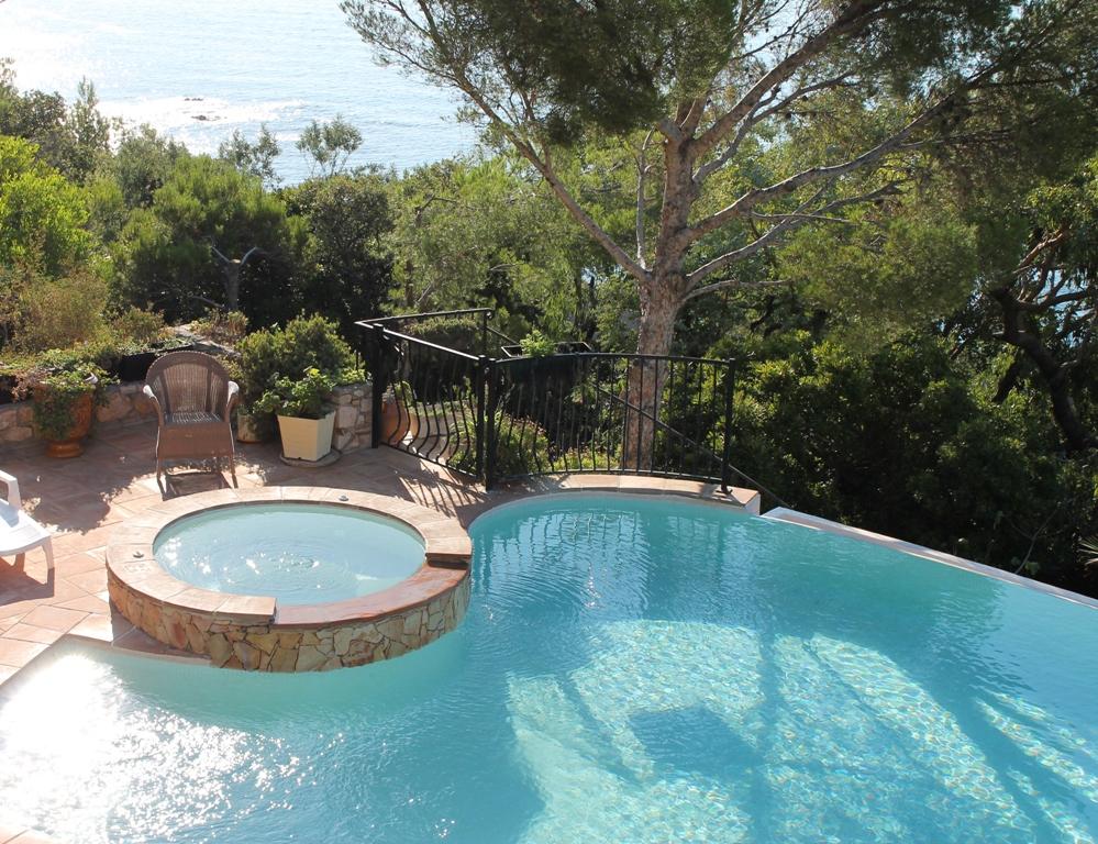 Terras zwembad - Zwembad in het terras ...